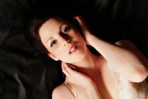 Roxanne model, roxanne posing zone weren themes Simon Q. Walden, FilmPhotoAcademy.com, sqw, FilmPhoto, photography