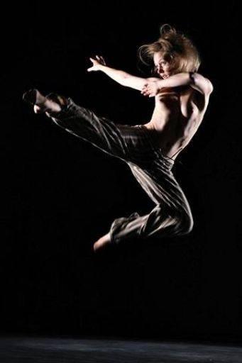 julie dancer dance waterhouse showing Simon Q. Walden, FilmPhotoAcademy.com, sqw, FilmPhoto, photography