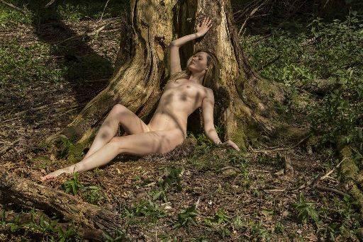 Carla Monaco model, carla leg overall odds trunk Simon Q. Walden, FilmPhotoAcademy.com, sqw, FilmPhoto, photography