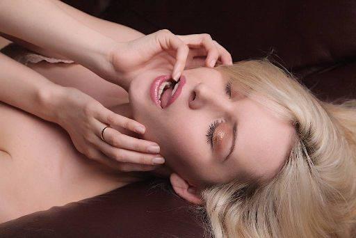 Carla Monaco model, key fake carla boudoir wrap Simon Q. Walden, FilmPhotoAcademy.com, sqw, FilmPhoto, photography
