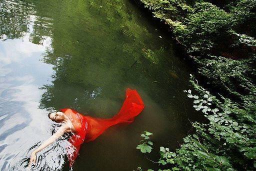 Niki-Marie model, niki waters unposed sprite sky Simon Q. Walden, FilmPhotoAcademy.com, sqw, FilmPhoto, photography