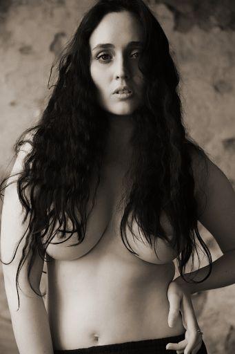 Simon Q. Walden, FilmPhotoAcademy.com, sqw, FilmPhoto, photography Leah Axl model, , nudephotography, locationshoot, modelling, fashion poses, fashiondaily, poses, art nude, pose, sensual_art, nudephotography, redhead, hot, shoelove, posing, form, urbex