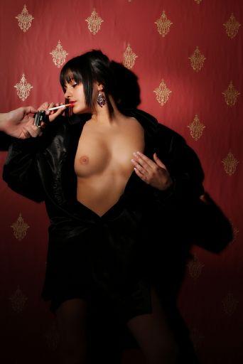 Simon Q. Walden, FilmPhotoAcademy.com, sqw, FilmPhoto, photography SimoneH model, , nudephotography, locationshoot, modelling, fashion poses, fashiondaily, poses, art nude, pose, sensual_art, nudephotography, redhead, hot, shoelove, posing, form, urbex